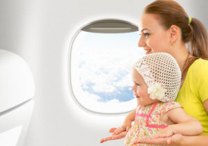 Bébé peut voyager en avion à partir de 3 semaines