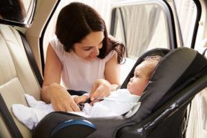 Voyager avec bébé en voiture