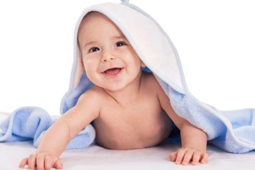 Toilette de bébé : les indispensables