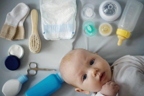 premiers jours avec bébé : le nécessaire