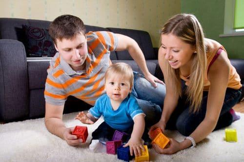 Quelle est pour bébé la différence entre le jeu et le jouet ?