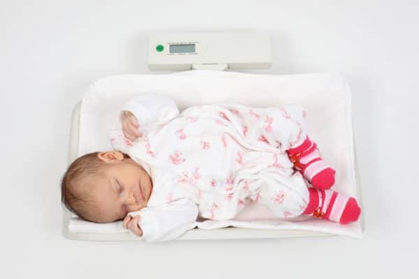Le poids de bébé doit être surveiller pour son bon développement