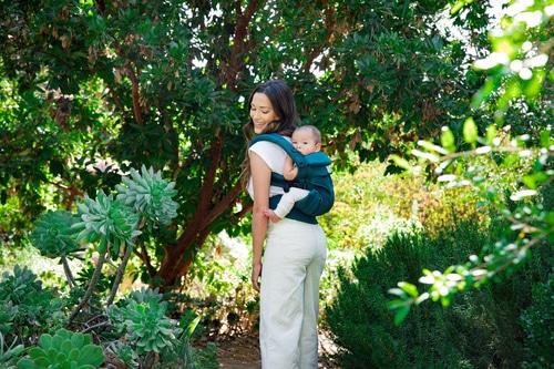 portage bébé porter bébé ergobaby