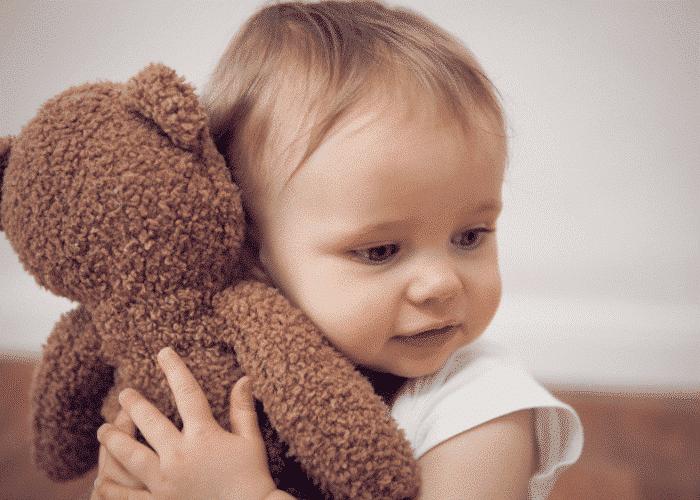 Pourquoi les enfants sont-ils attachés à leur doudou ?