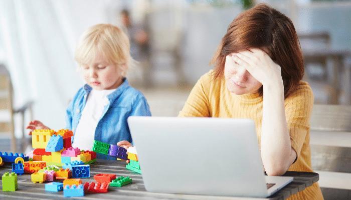 assistante maternelle : agrément pas renouvelé, suspendu