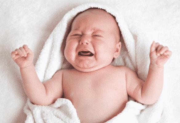 bébé pleure signaux